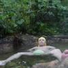 「石抱温泉(無料)」山形県【温泉】浮く温泉!石を抱かないと浮いてしまう混浴露天温泉