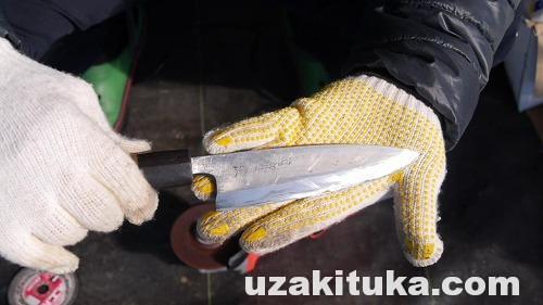 斧と包丁をグラインダーで砥ぐ