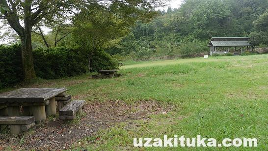 「金丸山キャンプ場」(予約制)静岡県【キャンプ】高速からすぐの絶景!斜めな芝生サイト!夜は真っ暗で静か