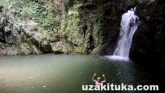 「滝沢キャンプ場」(予約制)静岡県【キャンプ】これはオススメ!滝つぼで泳げる!川でも水遊びできる!